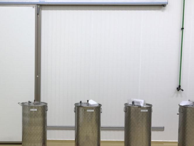 Porte semi-isolante coulissante